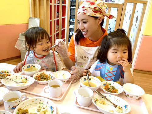 大津園 保育士 森先生「家庭的な雰囲気で子どもと先生の距離が近く、子どもの小さな成長を身近に感じられるのがサンライズキッズ保育園の良さです。」
